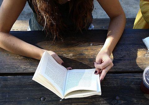 Книги начинающих авторов: лучшее за апрель